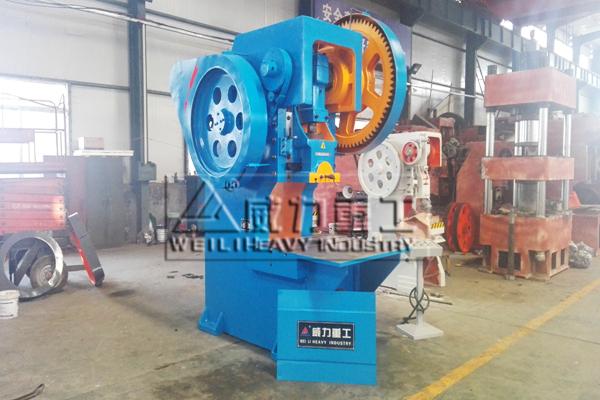 北京客户选购的100吨冲床